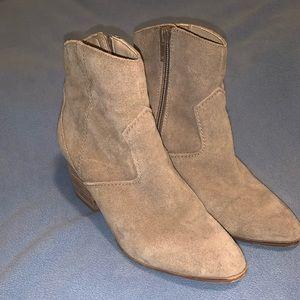ALDO Booties size 6
